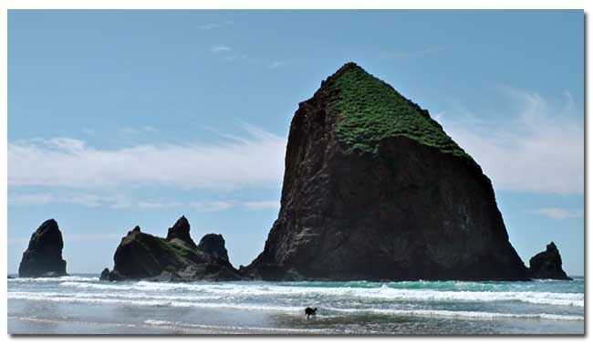 haystack rock oregon coast